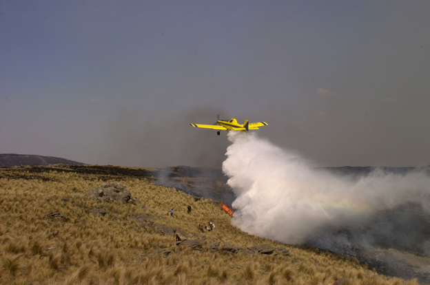 Los bomberos lograron controlar los incendios en Punilla
