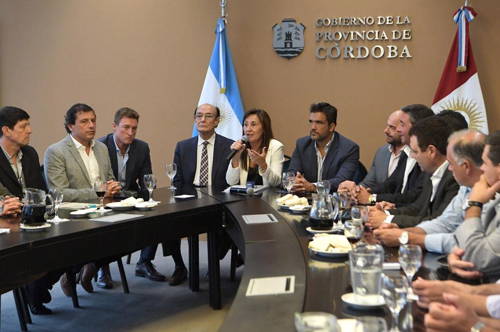 Transporte: Provincia firma con municipios el nuevo esquema de subsidios