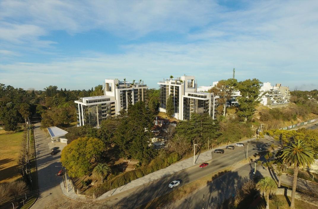 Rechazo a que Dycsa proyecte en Villa Allende un mega complejo con 155 departamentos.