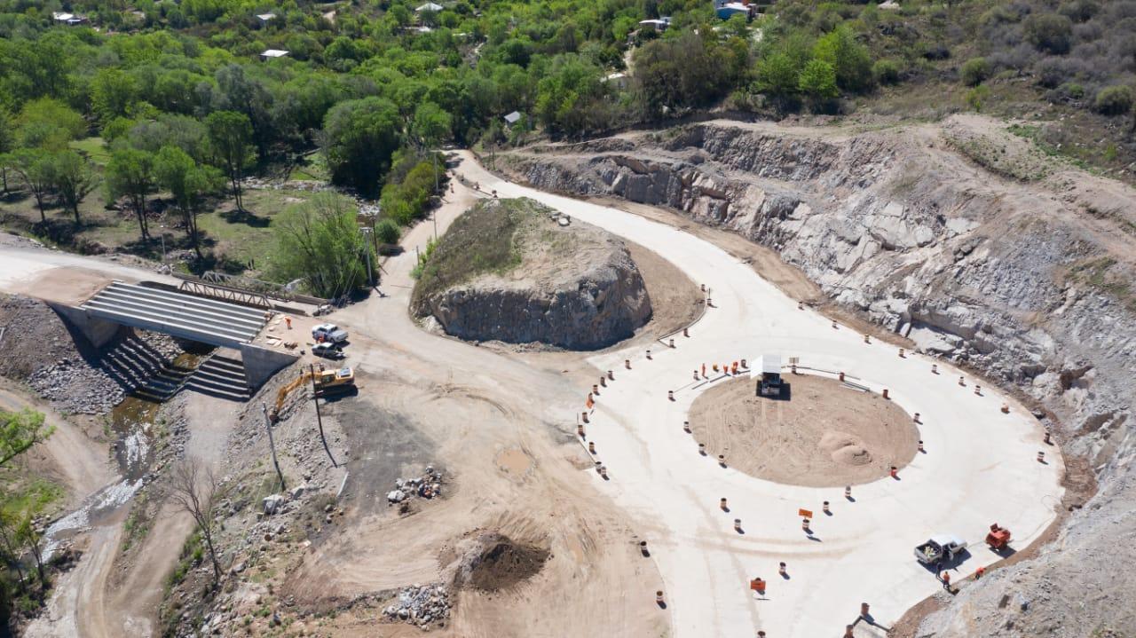 AVANZAN OBRAS VIALES DE LA PROVINCIA EN EL CORREDOR SIERRAS CHICAS