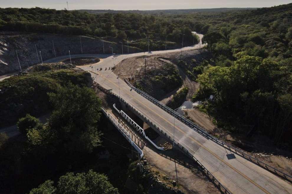 Sierras Chicas: se habilitó el nuevo puente sobre el río Aschochinga
