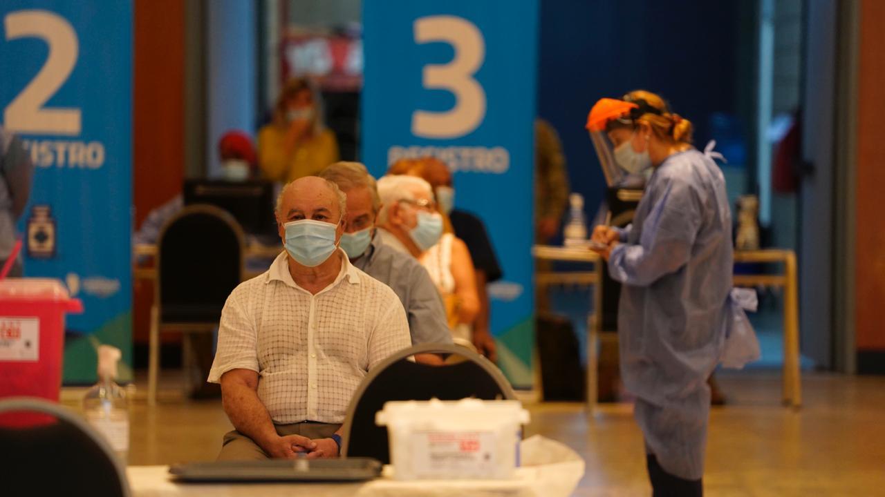 Mañana se inicia la vacunación para mayores de 70 años, será con los departamentos Calamuchita y San Martín
